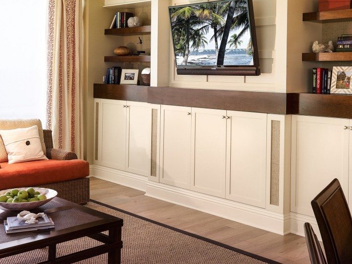 How Do You Evaluate Custom Cabinet Makers When Remodeling Your Naples Fl Home